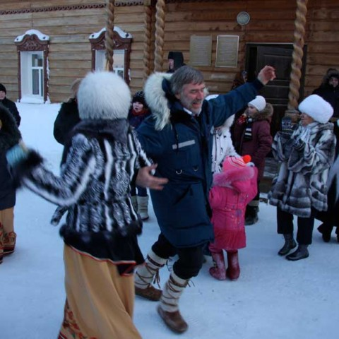Outdoor Winter Dancing Seliyaravo